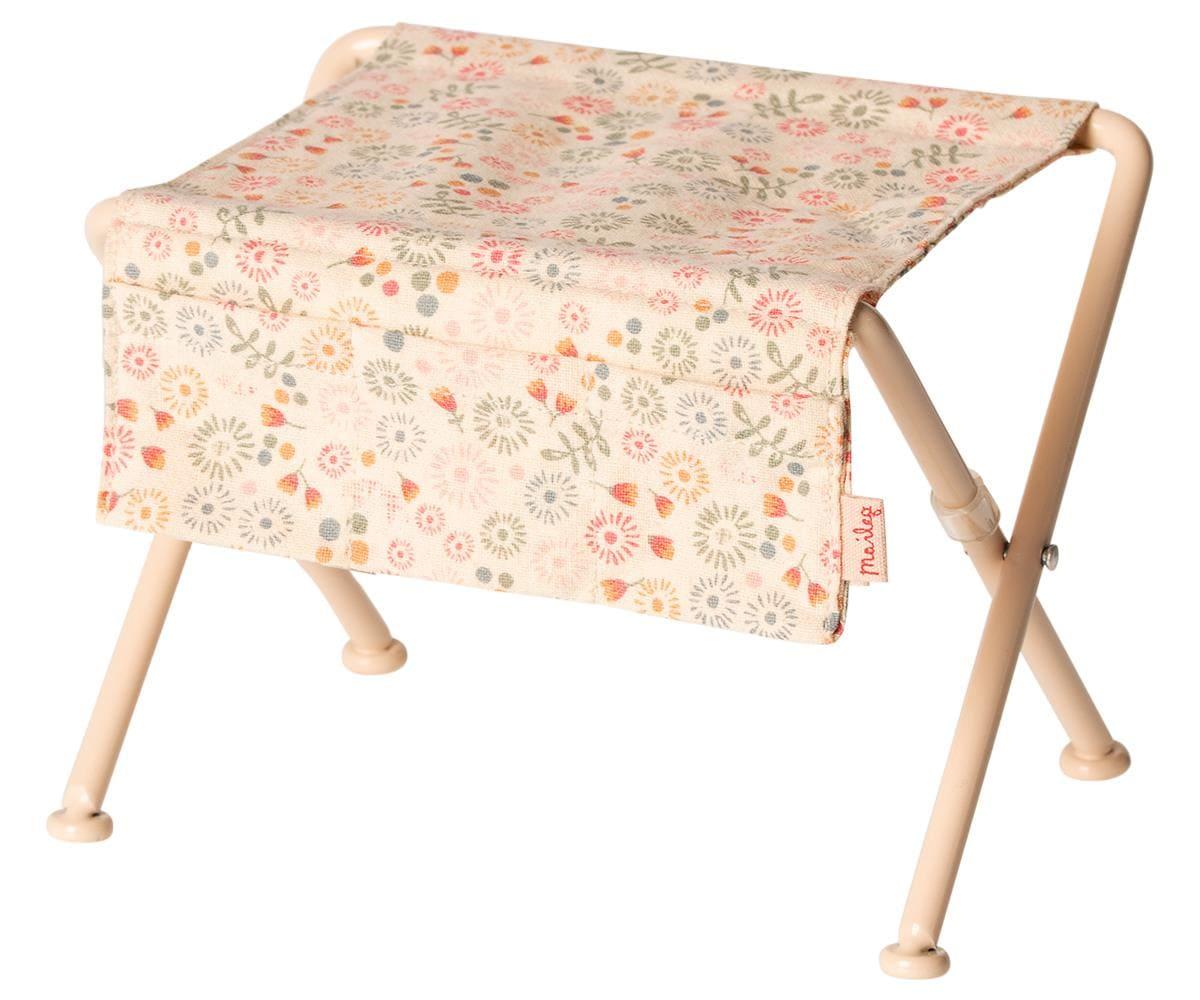 Nursery Table Pink